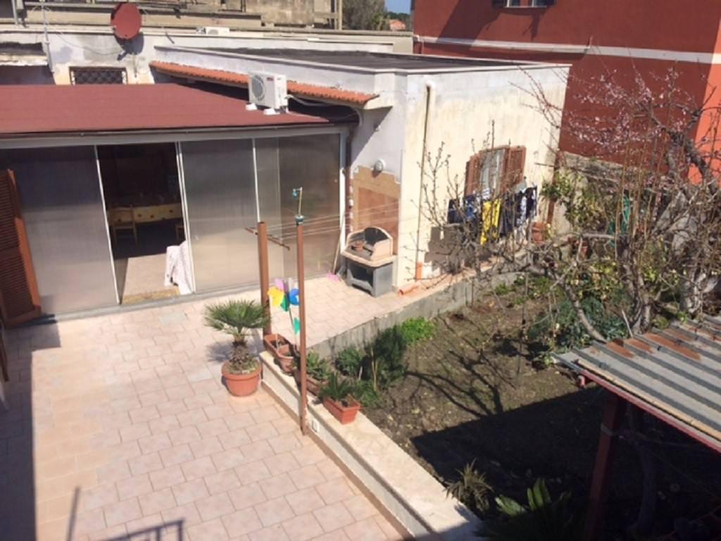 Appartamento in buone condizioni parzialmente arredato in vendita Rif. 8506874