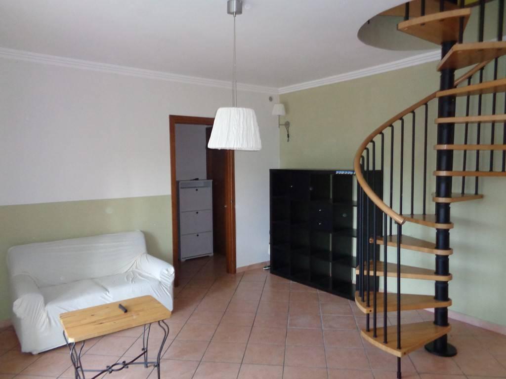 Appartamento in ottime condizioni arredato in affitto Rif. 8504271