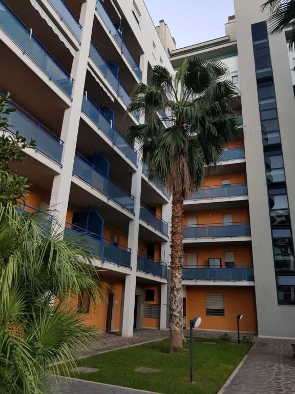 Appartamento in buone condizioni arredato in affitto Rif. 8509404