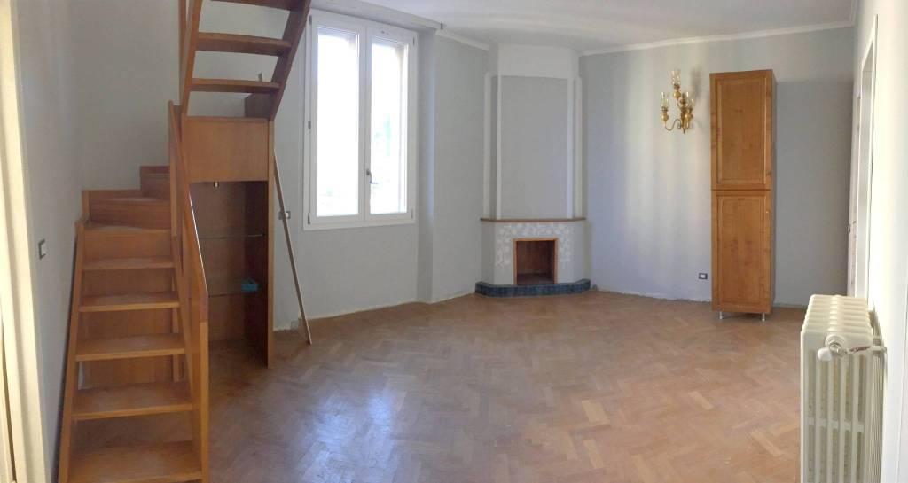Appartamento in ottime condizioni in affitto Rif. 8659243