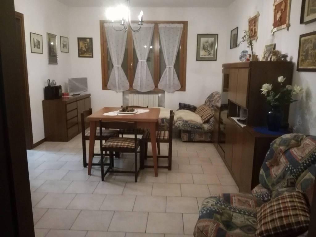 Appartamento in ottime condizioni in vendita Rif. 8645616