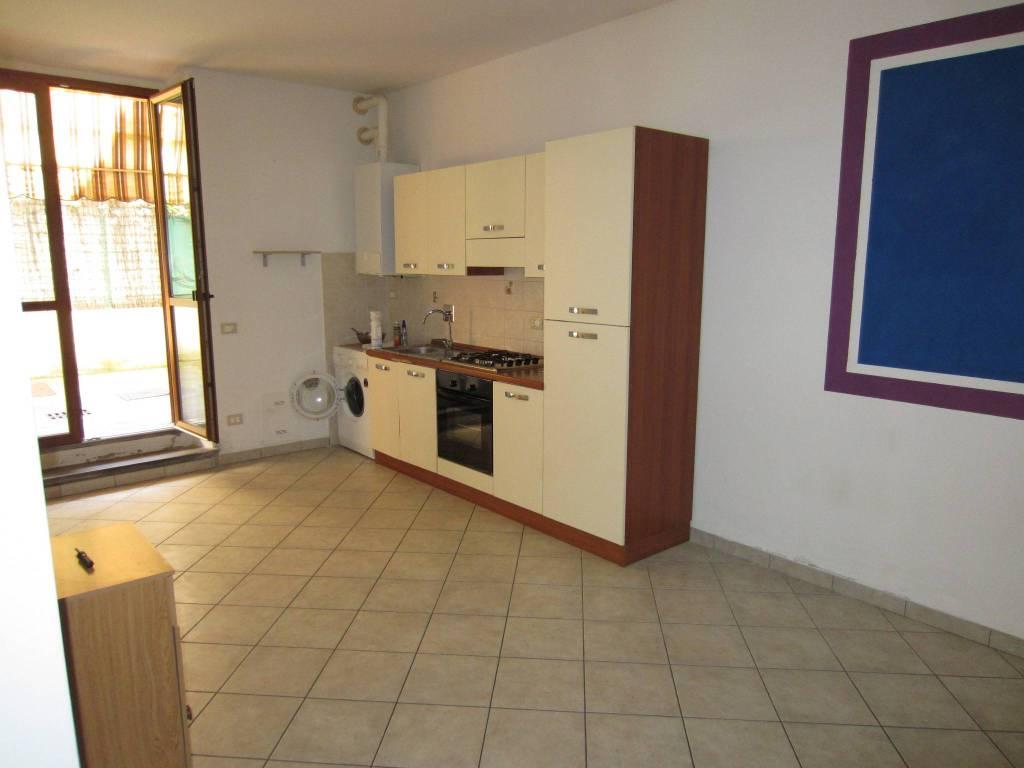 Appartamento in ottime condizioni parzialmente arredato in affitto Rif. 8504990