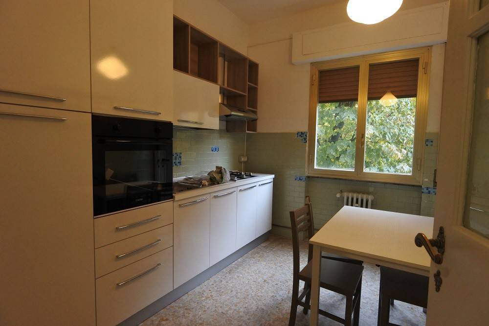Appartamento in buone condizioni arredato in affitto Rif. 8503140