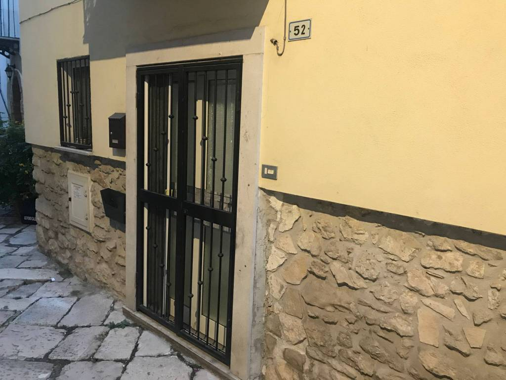 Appartamento in buone condizioni in vendita Rif. 8507375