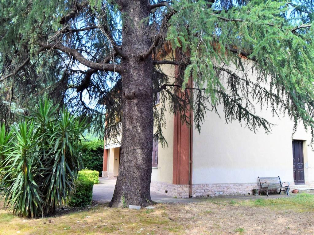Villa in vendita a Arcola, 9 locali, prezzo € 337.000 | CambioCasa.it