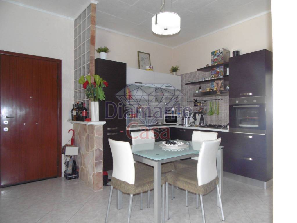 Appartamento in Vendita a Catania Periferia:  4 locali, 90 mq  - Foto 1