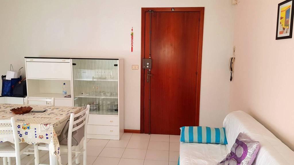 Appartamento in buone condizioni arredato in vendita Rif. 8506696