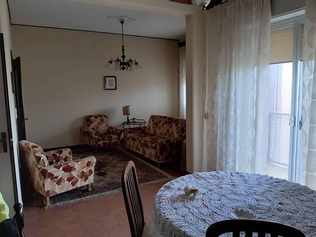 Appartamento da ristrutturare in vendita Rif. 8522863