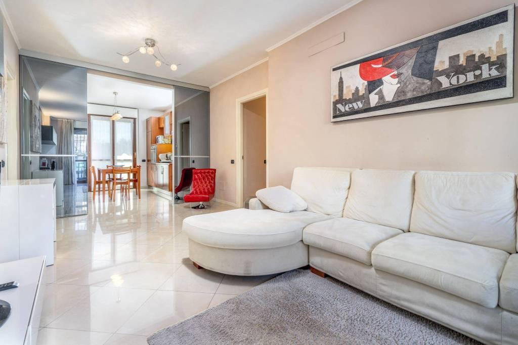Appartamento in ottime condizioni in vendita Rif. 8518704