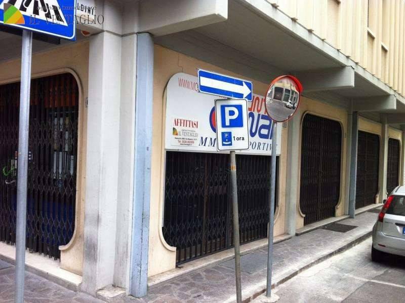Attività commerciale in affitto Rif. 7769113