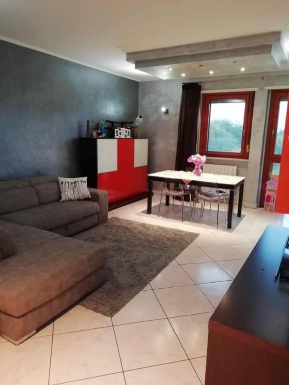 Appartamento in ottime condizioni in vendita Rif. 8505055