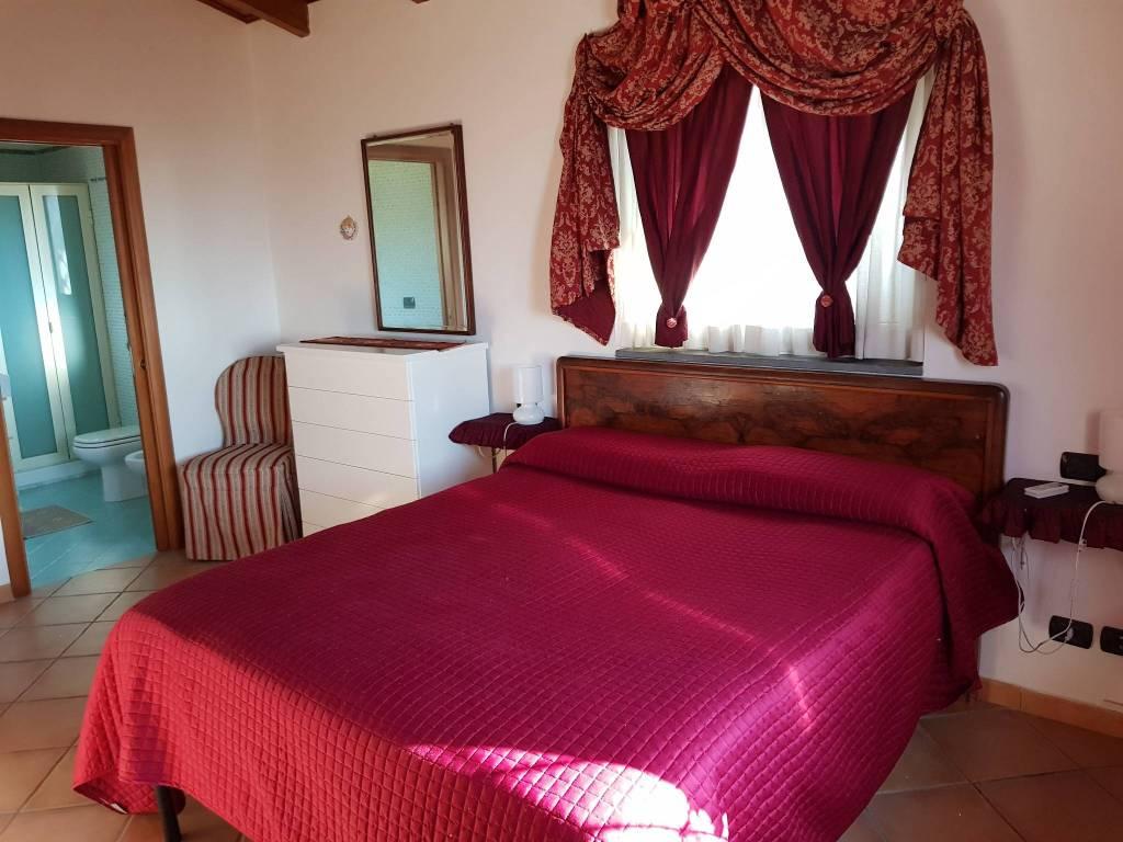 Appartamento in ottime condizioni arredato in affitto Rif. 8520794