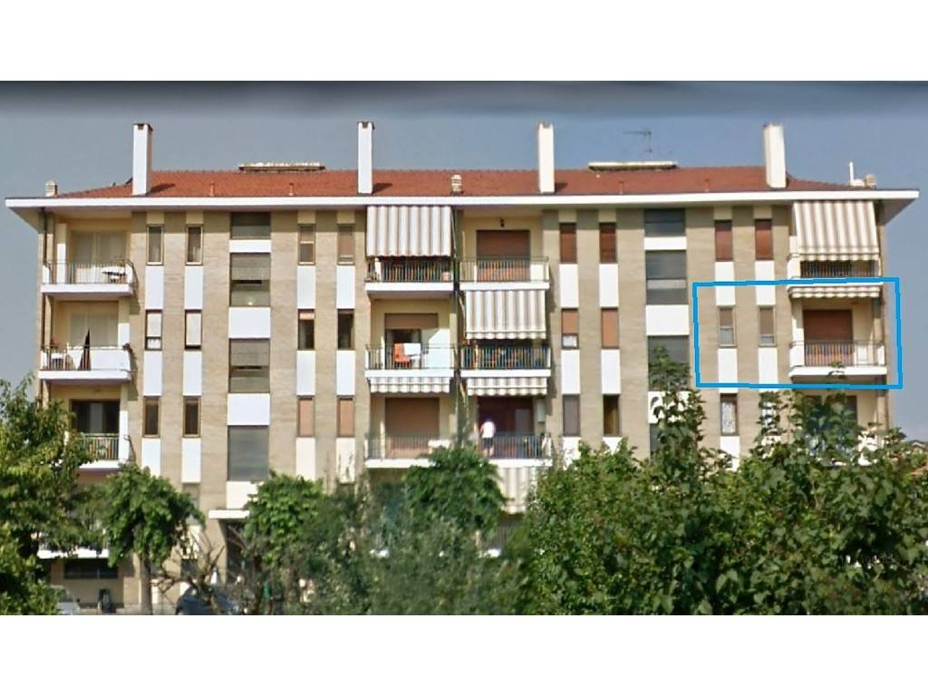 Appartamento in buone condizioni in vendita Rif. 8521103