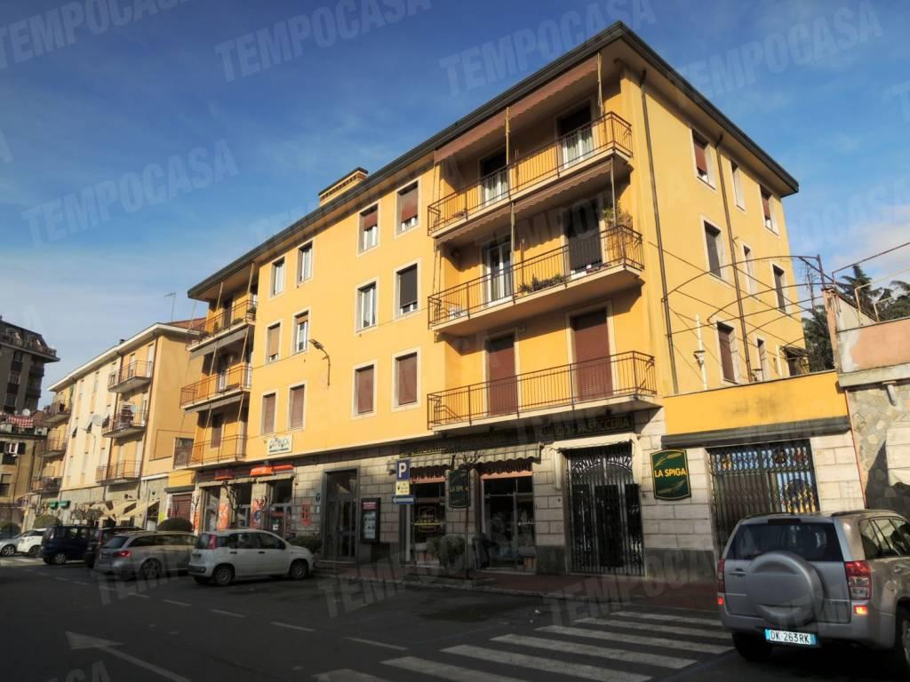 Appartamento in buone condizioni parzialmente arredato in affitto Rif. 8521405
