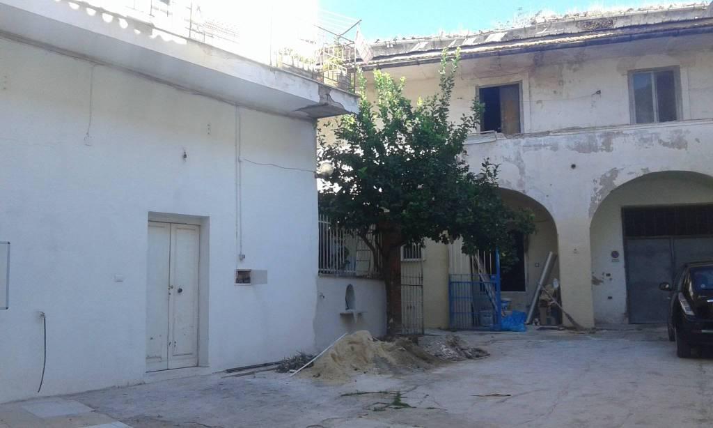 Appartamento da ristrutturare in vendita Rif. 8522750
