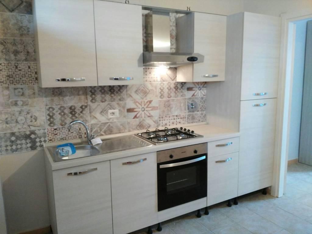 Appartamento in ottime condizioni arredato in affitto Rif. 8520376