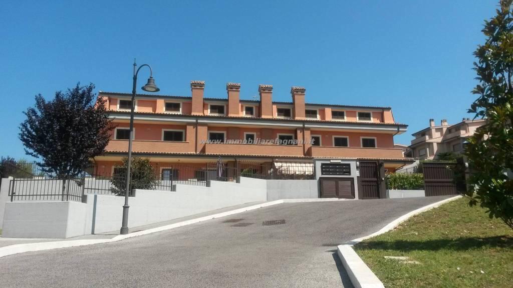 Appartamento in ottime condizioni in affitto Rif. 8522218