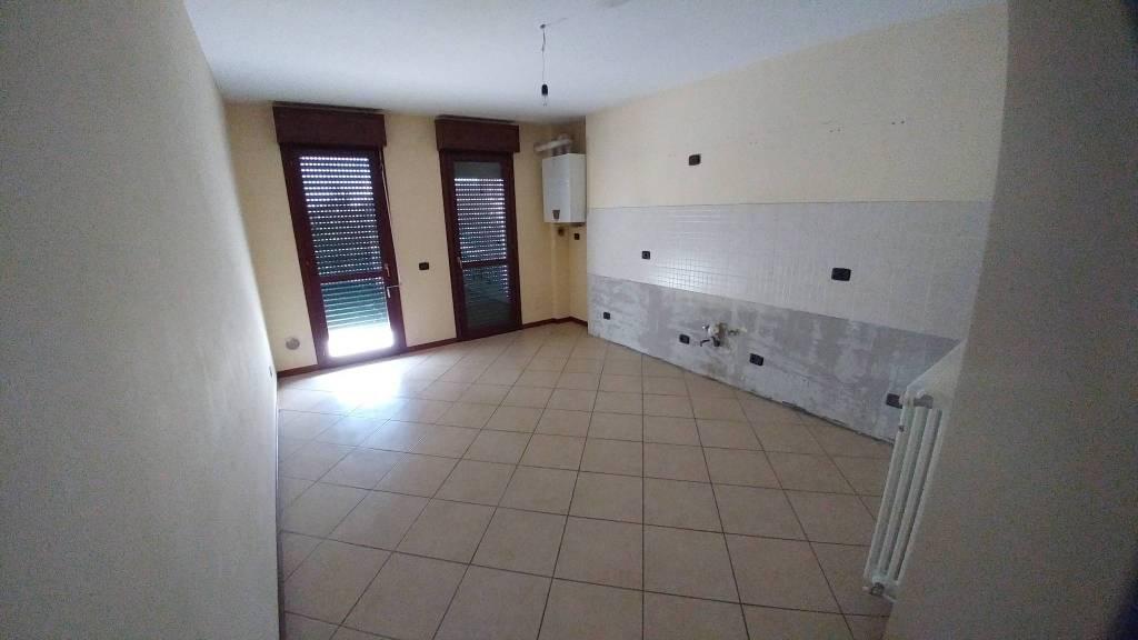 Appartamento in ottime condizioni in affitto Rif. 8522521
