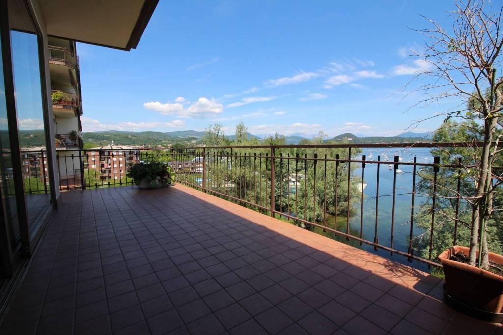 Appartamento in ottime condizioni parzialmente arredato in vendita Rif. 6772626
