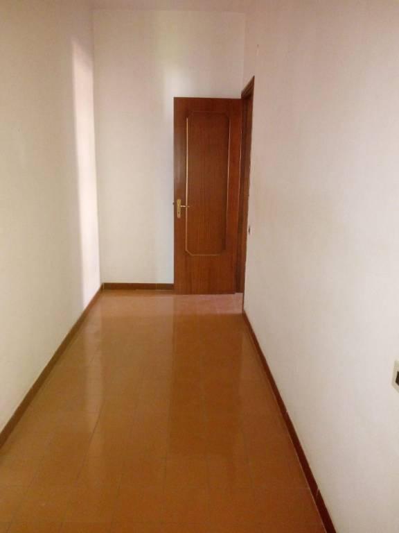 Appartamento in buone condizioni in affitto Rif. 6739109