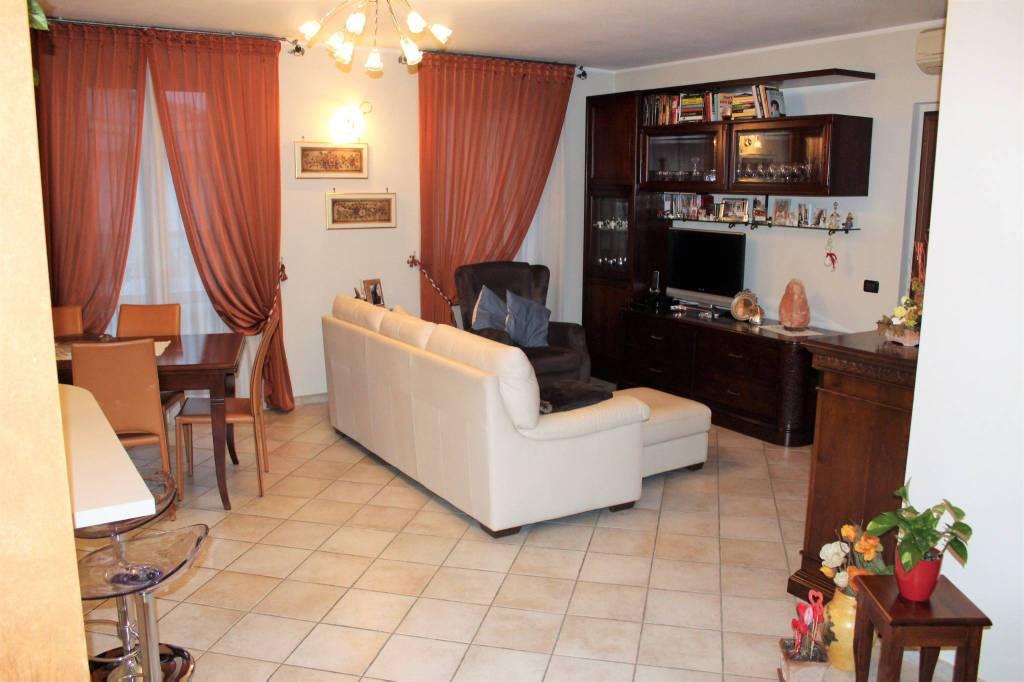 Appartamento in ottime condizioni in vendita Rif. 8519027