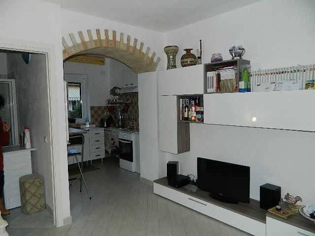 Appartamento in ottime condizioni arredato in affitto Rif. 8518886