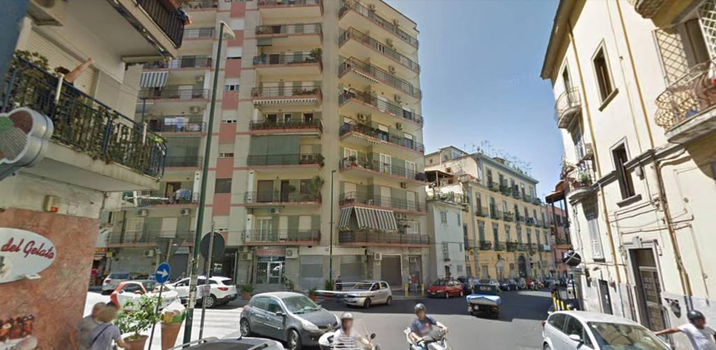 Appartamento in vendita 4 vani 104 mq.  via Adolfo Omodeo 6 Napoli