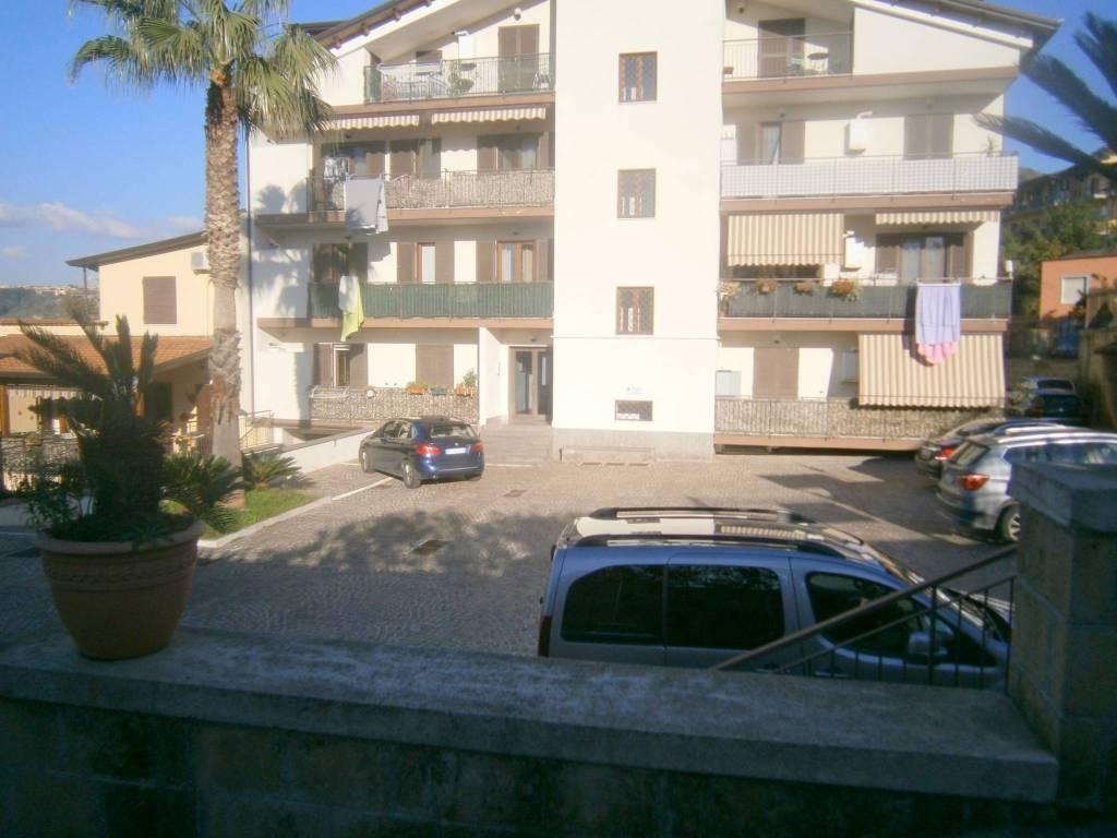 Appartamento in ottime condizioni in affitto Rif. 8549782