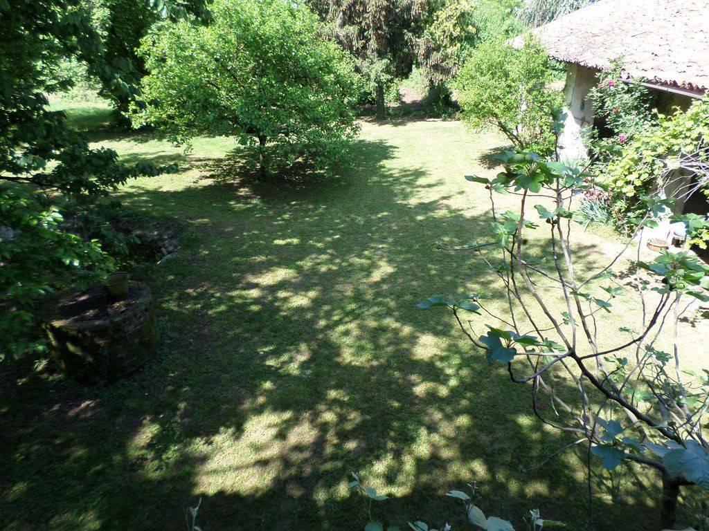 Rustico / Casale in buone condizioni parzialmente arredato in vendita Rif. 9142691
