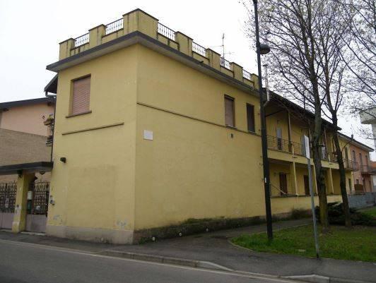 Appartamento in buone condizioni in vendita Rif. 8640979