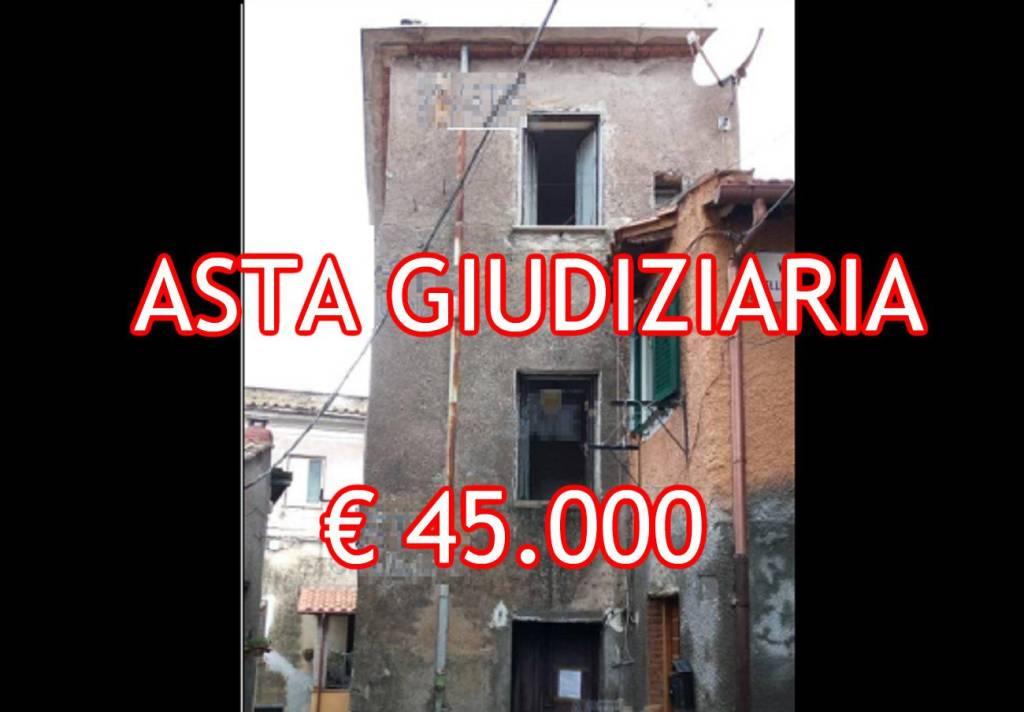 Appartamento in buone condizioni in vendita Rif. 8520970