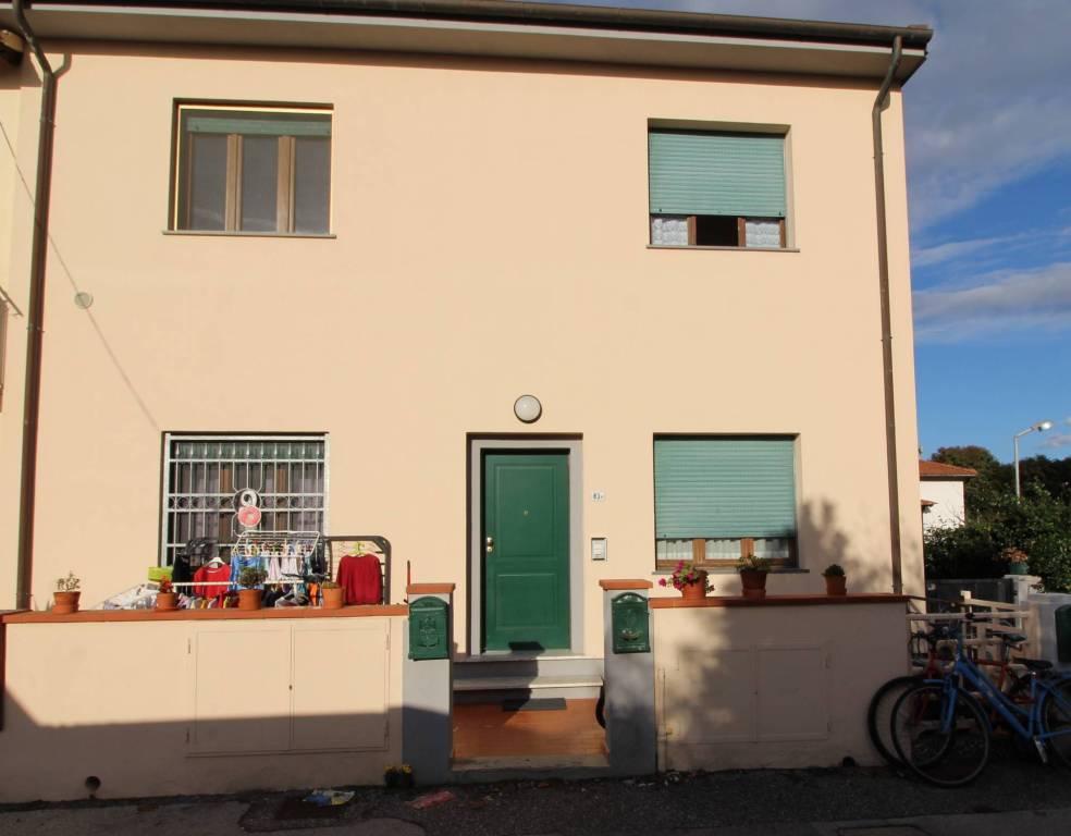 Appartamento in buone condizioni in vendita Rif. 8520463