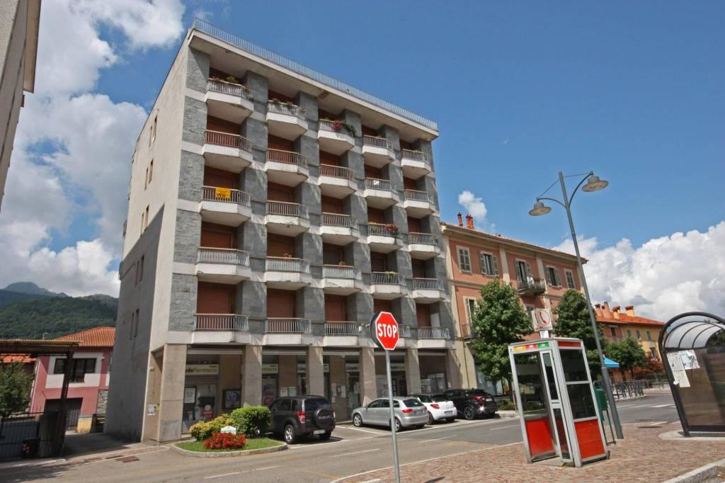 Appartamento in buone condizioni arredato in vendita Rif. 8522206