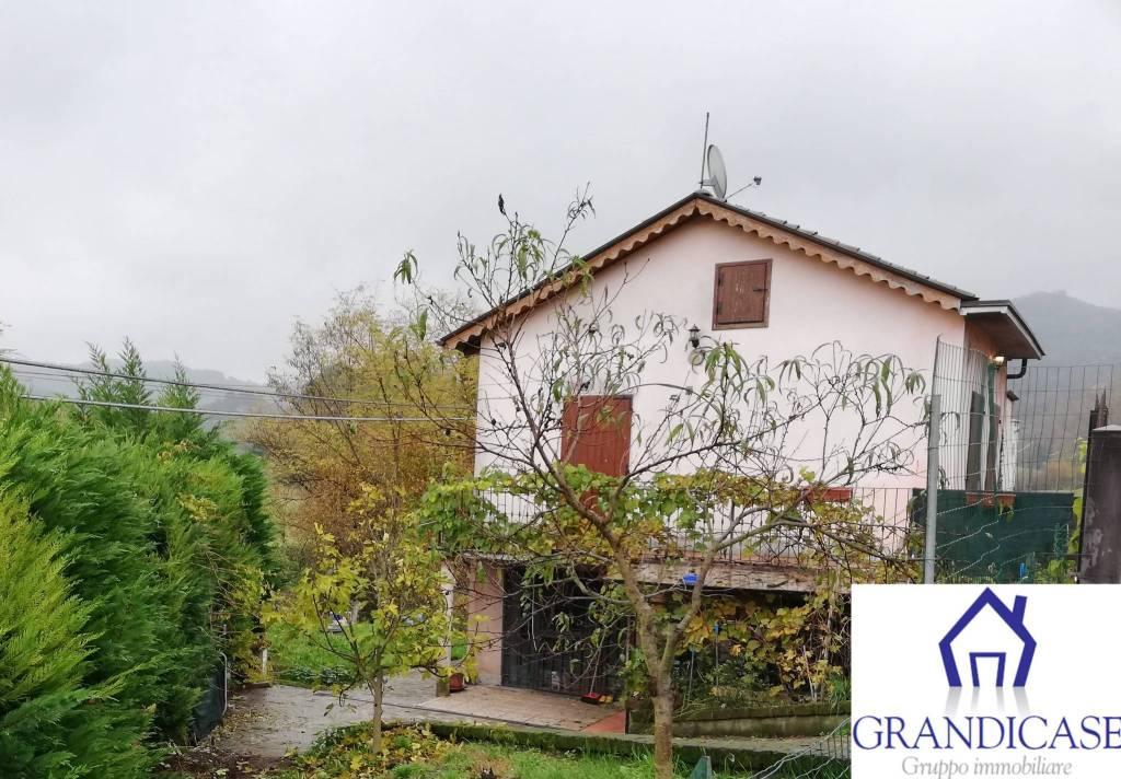 Casa Indipendente in buone condizioni in vendita Rif. 8519021