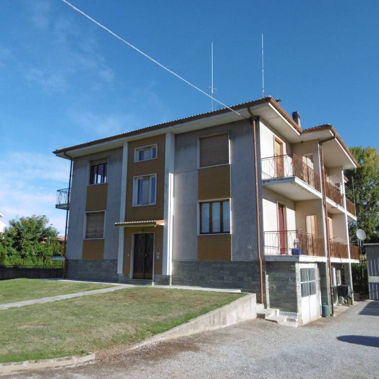 Borgo San Dalmazzo appartamento in piccola palazzina
