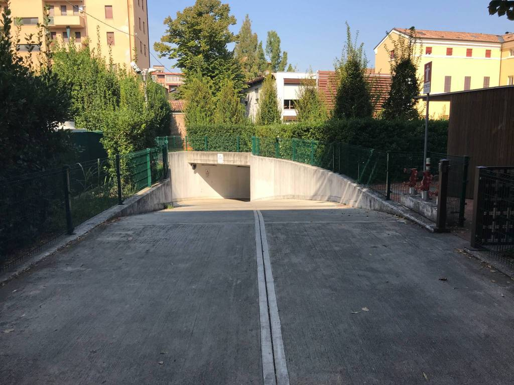 Box / Garage in vendita a Ferrara, 9999 locali, prezzo € 70.000 | CambioCasa.it