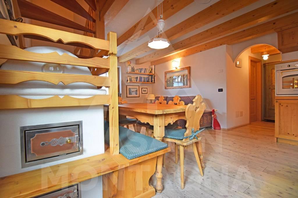 Appartamento in ottime condizioni arredato in vendita Rif. 5770457