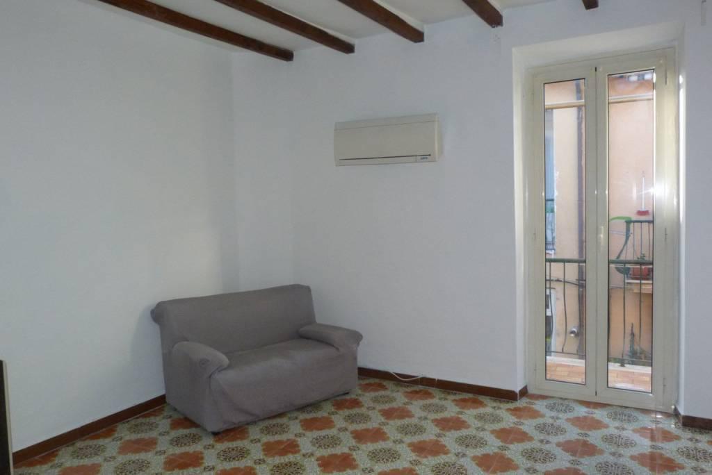 Appartamento in buone condizioni parzialmente arredato in affitto Rif. 8518699