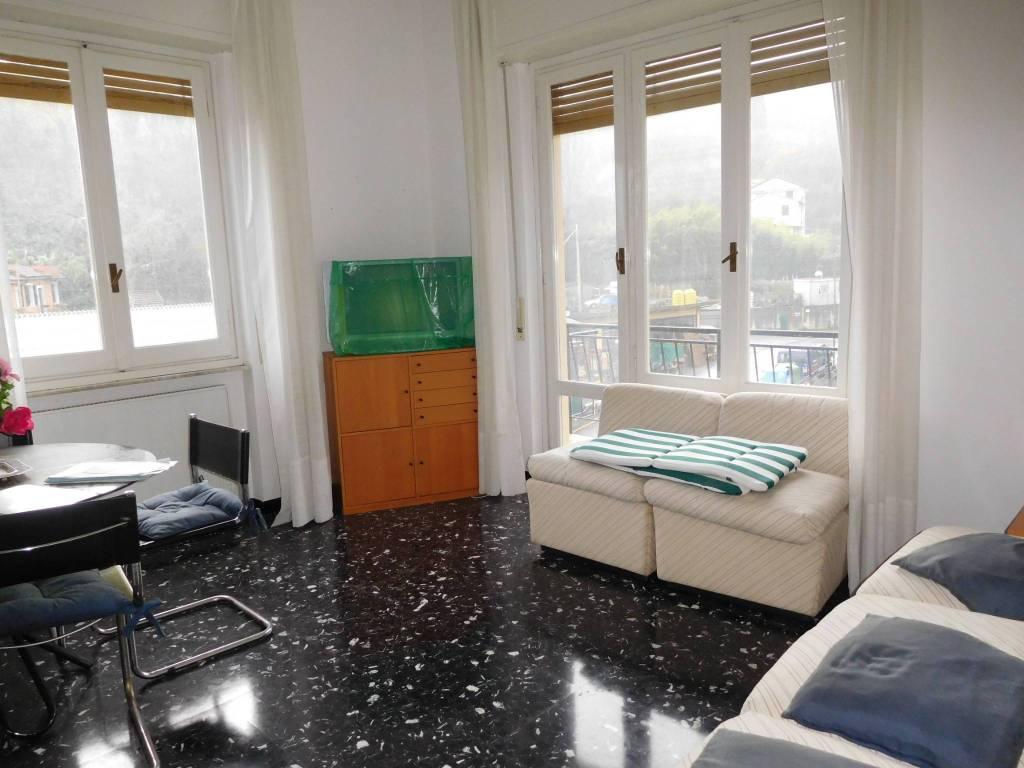 Appartamento in buone condizioni in vendita Rif. 8518852