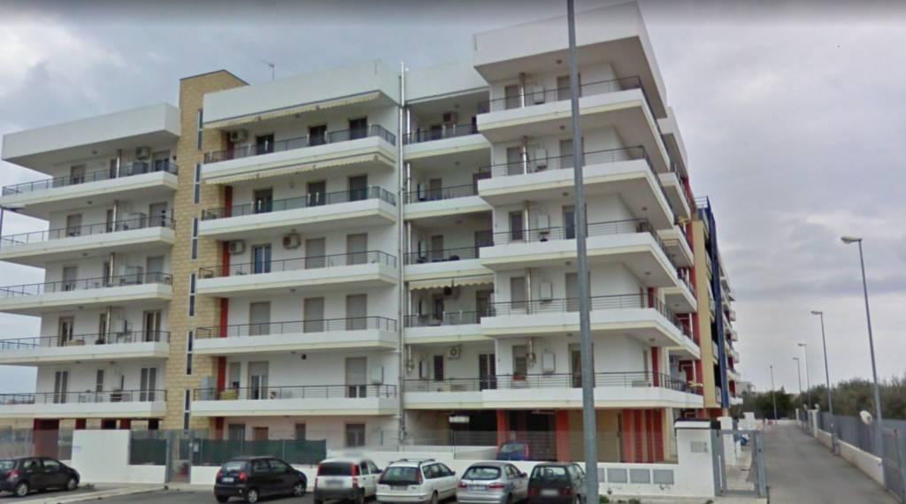 Appartamento in ottime condizioni arredato in affitto Rif. 8522743