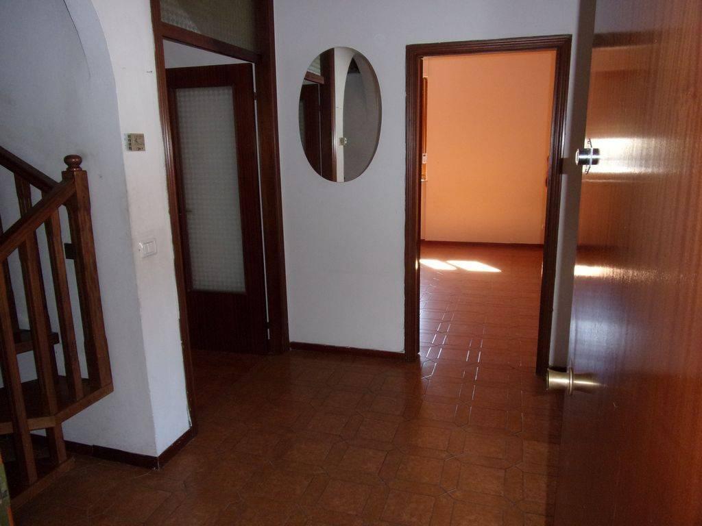 Appartamento in buone condizioni in vendita Rif. 8520691