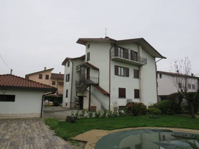 Appartamento in buone condizioni in vendita Rif. 8520741