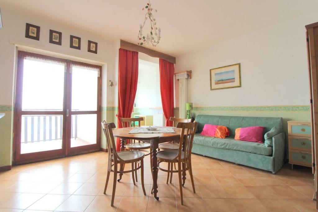Appartamento in buone condizioni arredato in vendita Rif. 8534520