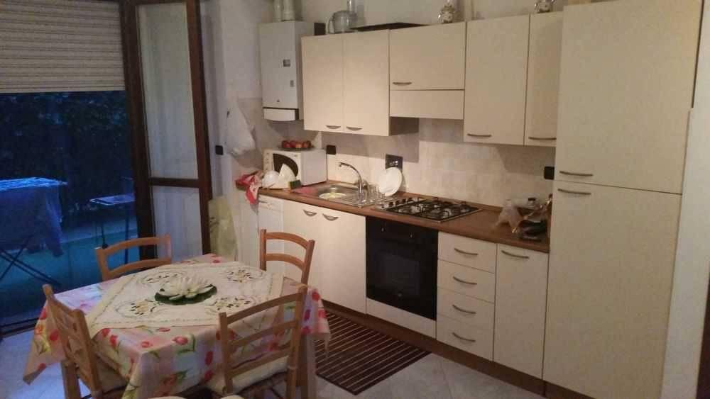 Appartamento in ottime condizioni arredato in affitto Rif. 8609217