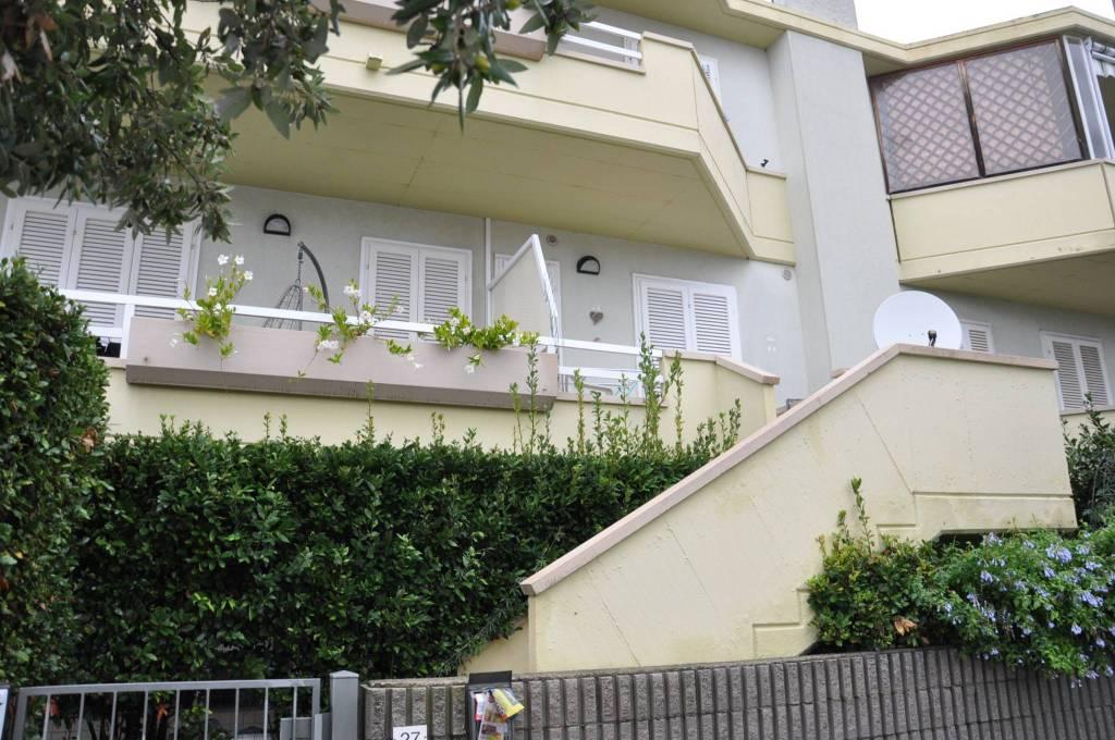 Appartamento in ottime condizioni arredato in affitto Rif. 8533552