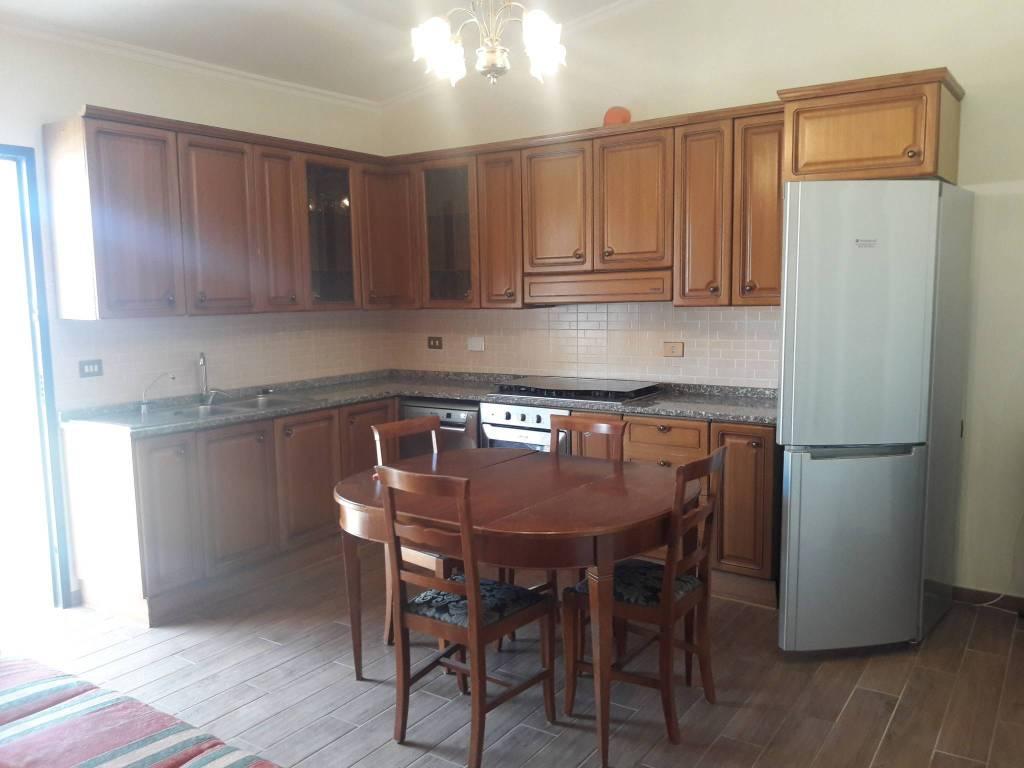 Appartamento in buone condizioni arredato in affitto Rif. 8532851
