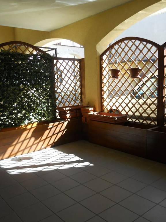 Appartamento in buone condizioni arredato in vendita Rif. 8533009