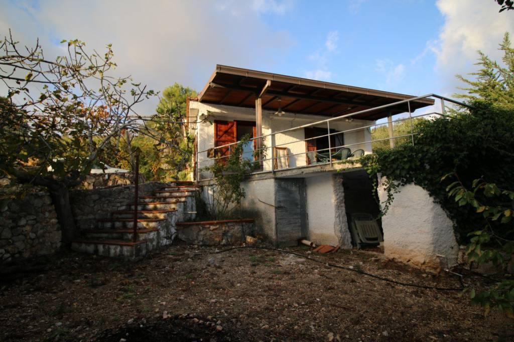 Villa in buone condizioni arredato in vendita Rif. 8532515