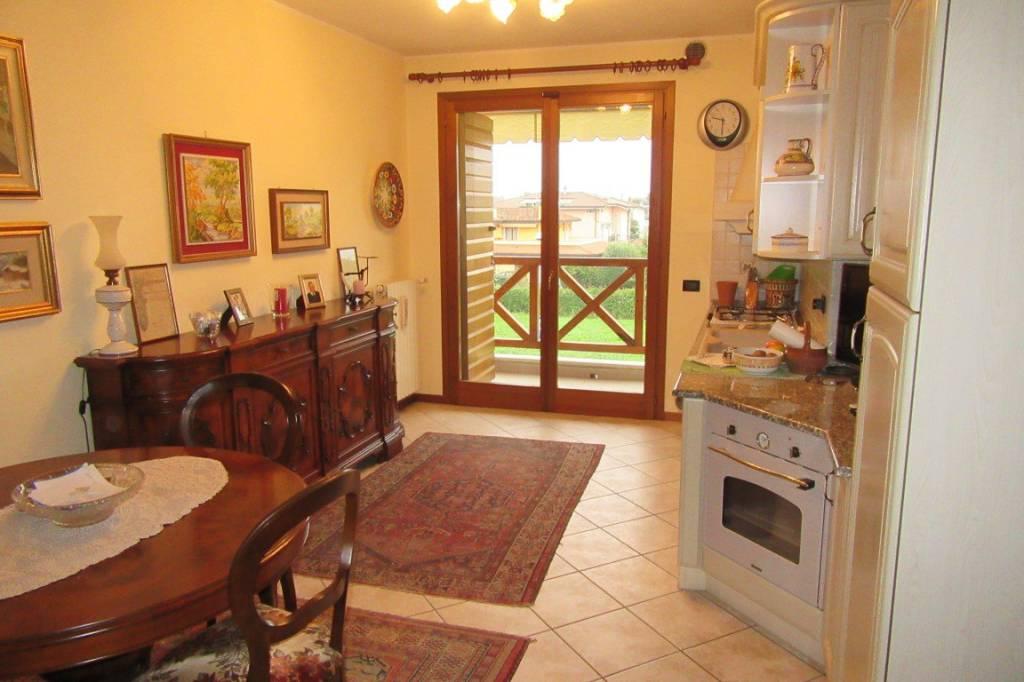 Appartamento in ottime condizioni in vendita Rif. 8533992