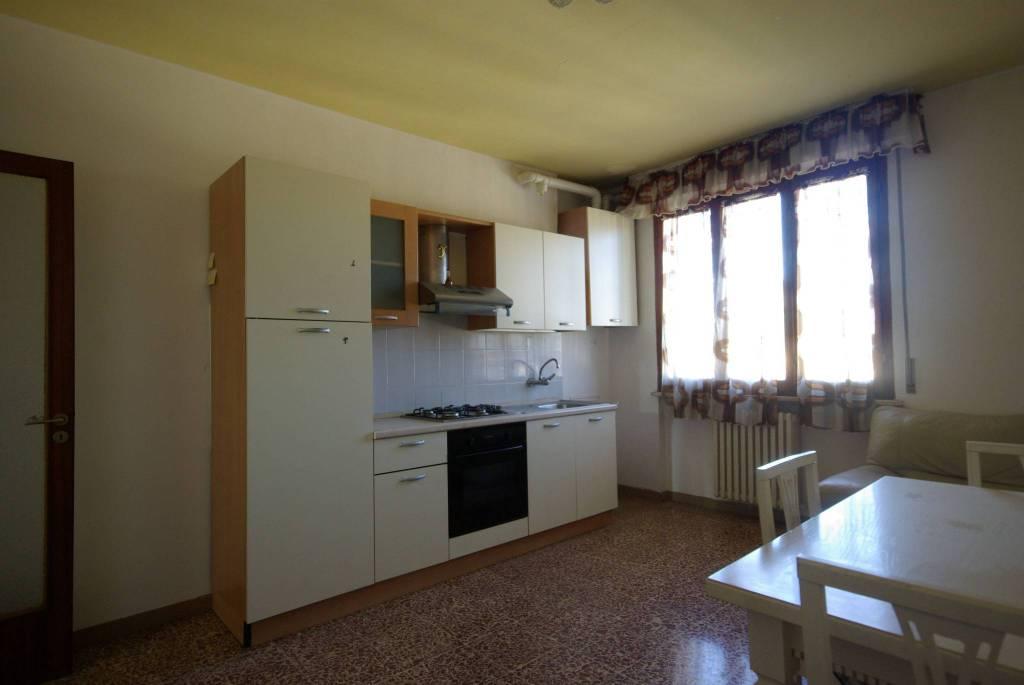 Appartamento da ristrutturare in vendita Rif. 8468178